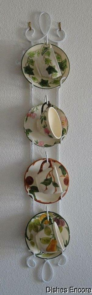 Tripar Augusta Vertical Antique White Display Rack for 4 Cup & Saucer Sets, 36""