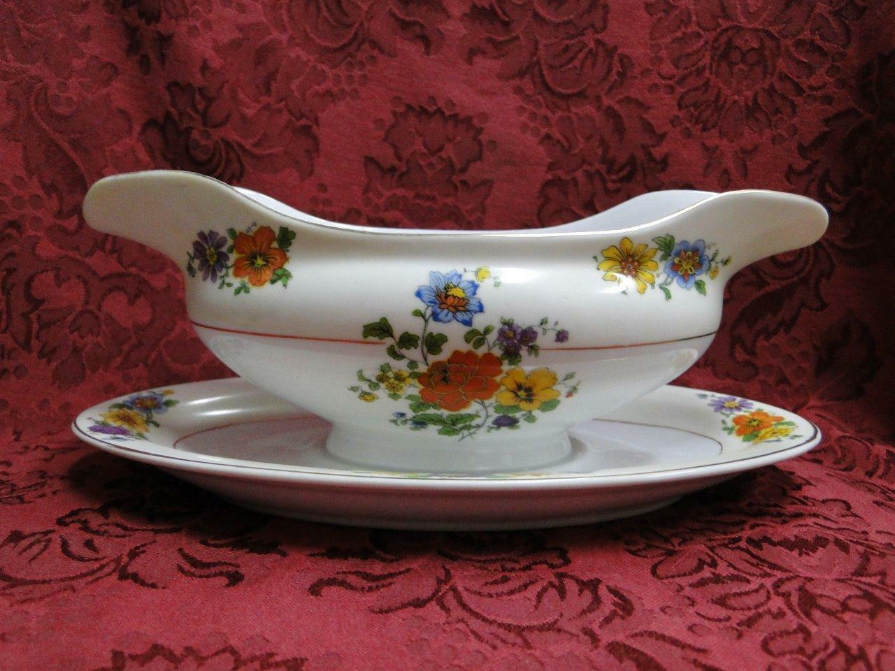 Thun Thu71 Floral Rim & Center, Cream Band: Gravy Boat & Attached Underplate