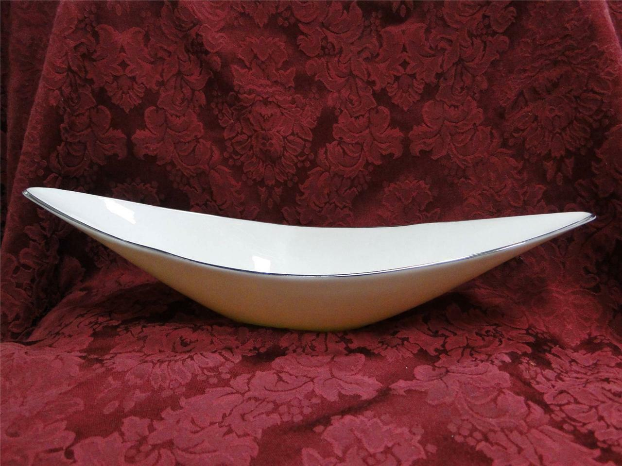 Lenox Cream with Platinum: Relish Boat (s) 15 1/2""
