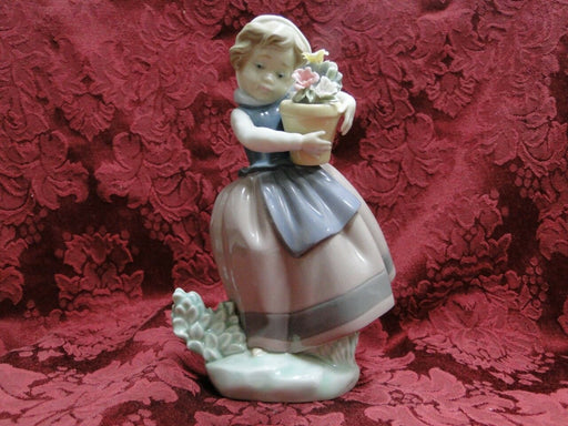 Lladro Spring is Here Girl in Scarf Flowers Figurine made in Spain, 6.75 height