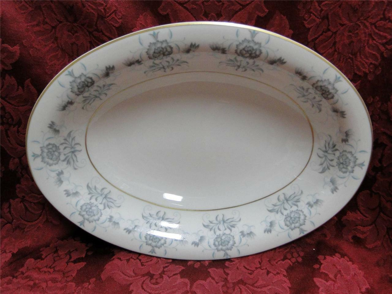 Castleton Caprice, blue flowers, gold trim: Oval Vegetable Serving Bowl (s)