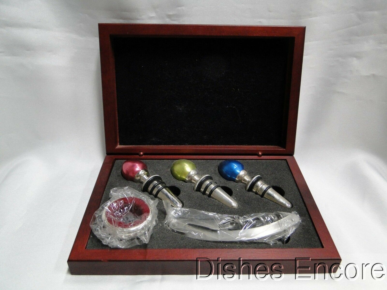 Wine Tool Set: Corkscrew, 3 Bottle Stoppers & Bottle Topper, New with Gift Box