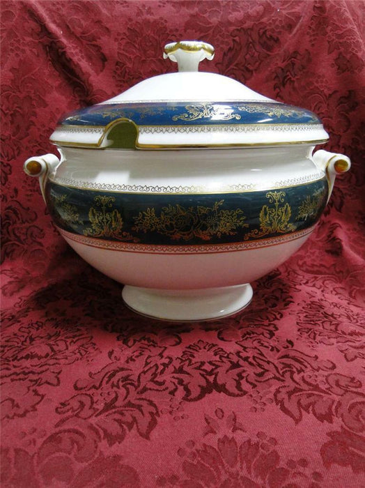Wedgwood Columbia Blue & Gold, Dragons, Flowers: Tureen & Lid, 9 1/8""