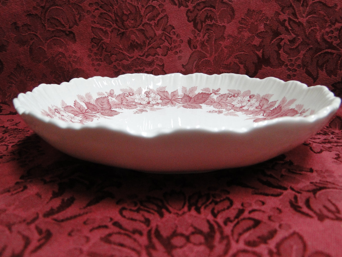 Wedgwood Bramble Pink Shell Edge, Queen's Ware: Round Centerpiece Bowl, 8 1/8""