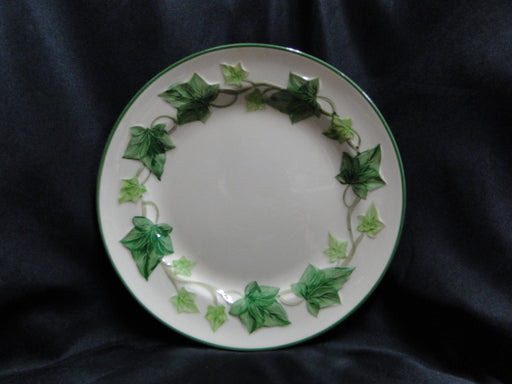 "Franciscan Ivy (USA), Green: Luncheon Plate, 9 1/2"", Nick on Trim"