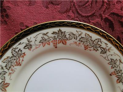 Noritake Bordeaux, 5496, Gold Grapes, Black Band: Bread Plate (s), 6 1/4""