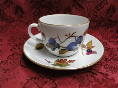 "Royal Worcester Evesham Gold, Fruit: Cup & Saucer Set (s), 2 1/2"", Gold Stripe"