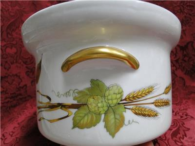 "Royal Worcester Evesham Gold, Fruit: 10"" Oval Covered Casserole with Knob Lid"