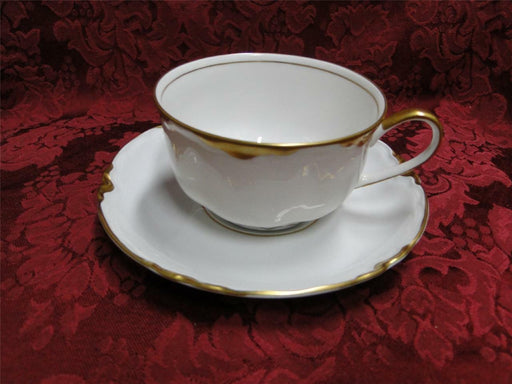 Hutschenreuther Chateau D2100, Scalloped Gold Trim: Cup/Saucer Set (s)