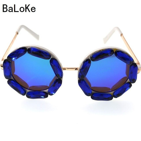 2019 Classic Retro Round Sunglasses women Brand Designer Crystals Ladies sunglass Summer Sun Beach Rhinestone Sunglasses