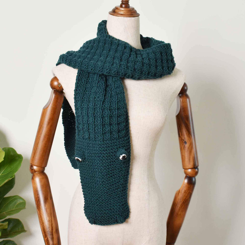 Alligato Knitted Scarf, Hand Knit Scarf, Alligator Scarf, Alligator Gift - Saigonmade