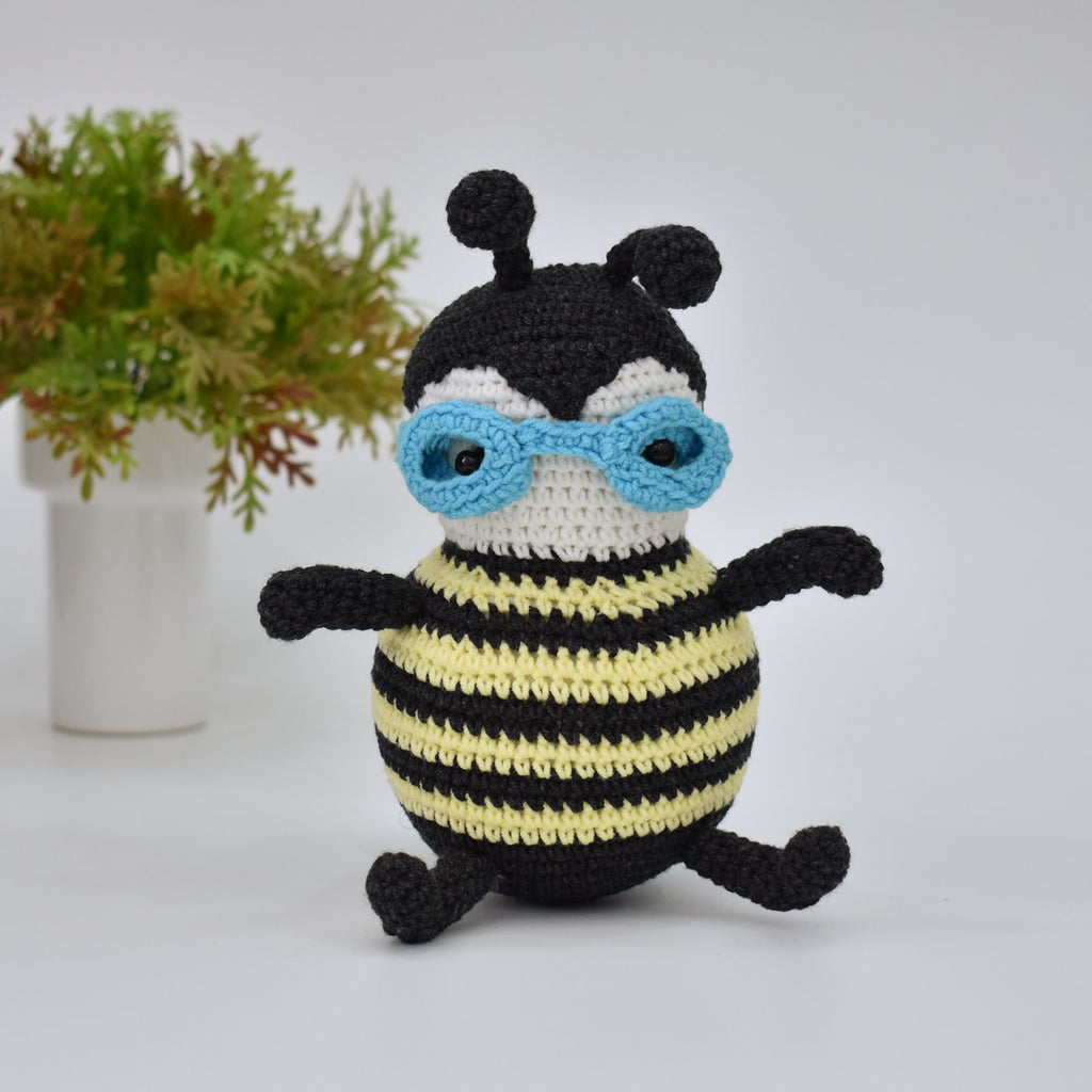Bumble-bee Bee Crochet Animal Handmade Amigurumi Stuffed Toy Doll High Quality - SaiGonDoll