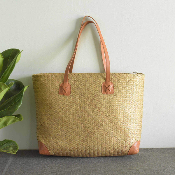 Straw Beach Bag, Simple Weekend Bag, Weaving Bag, Natural Sedge Bag Shoulder Bag - Saigonmade