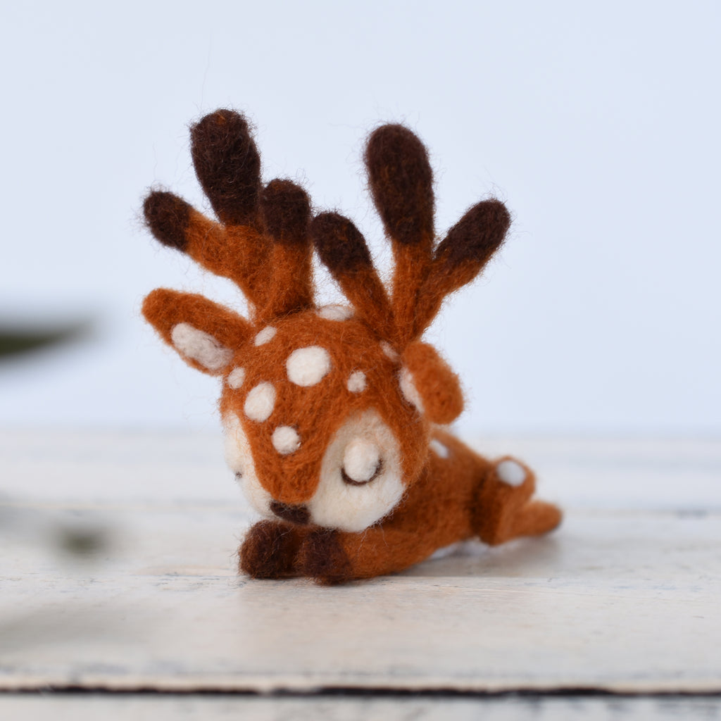Needle Felted Sleeping Fawn Deer, Baby fawn, Deer decoration, Felted Animals