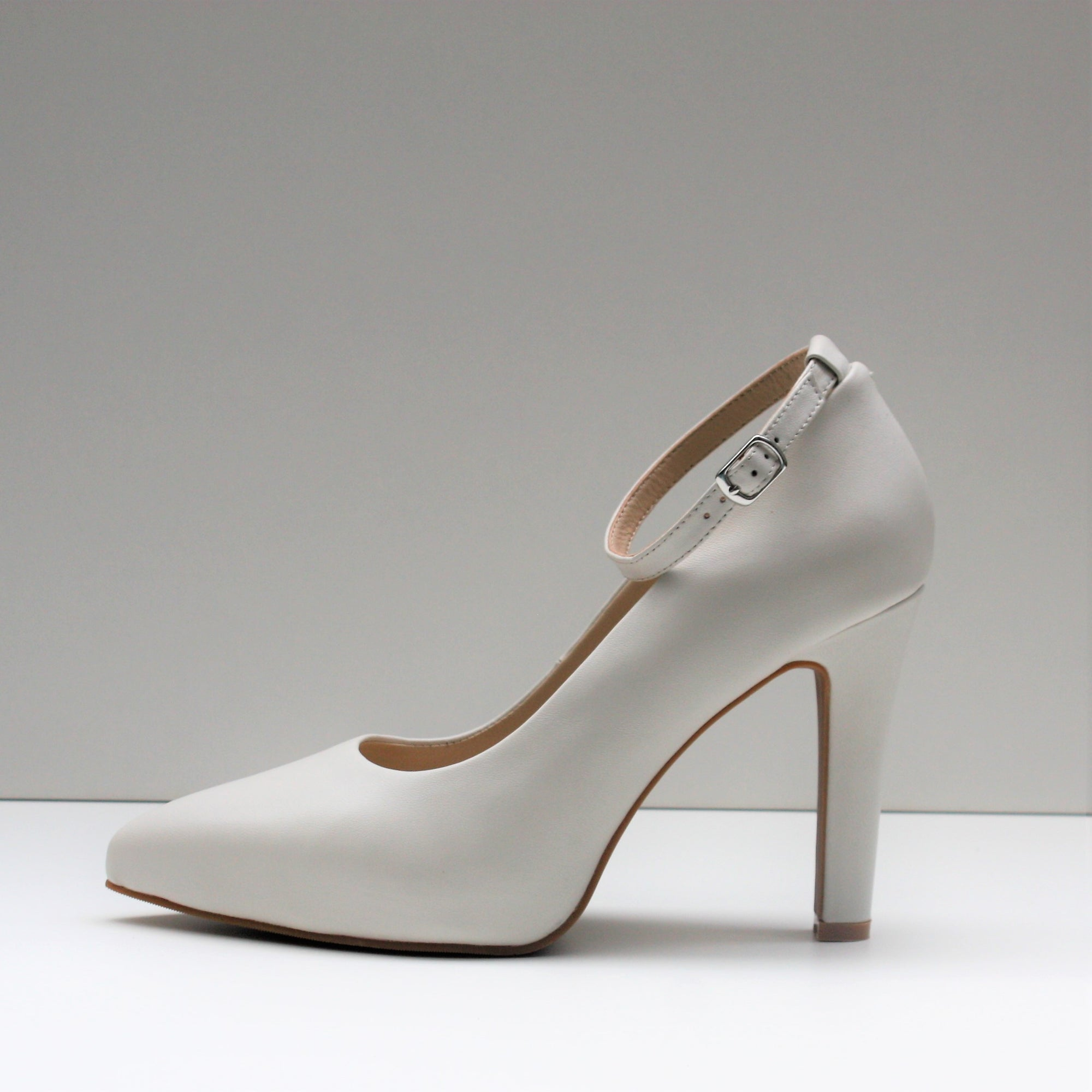 MAYA Off-White High Heel Pumps