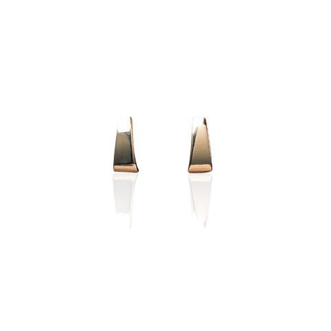 Earrings | Wide J wrap studs