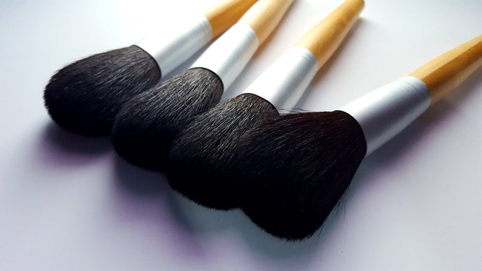 Large Powder Brush With Eco-Friendly Bamboo Handle