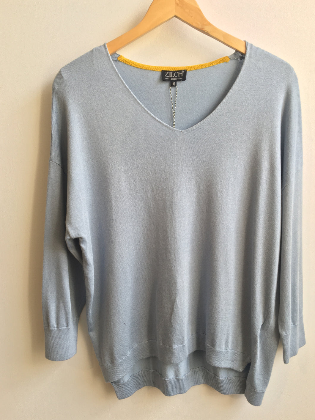 Zilch v-neck bamboo sweater in Heaven blue - CW CW