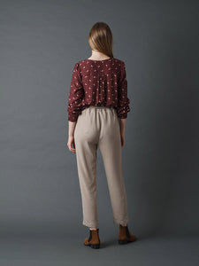 Indi & Cold Small flower printed blouse with shirring detail in Wine