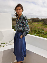 Load image into Gallery viewer, Great Plains Chambray Miso skirt in Indigo