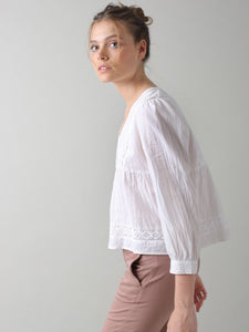 Indi & Cold lace insert cotton linen blouse inWhite
