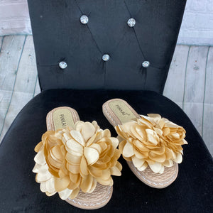 Flower Sliders - Beige