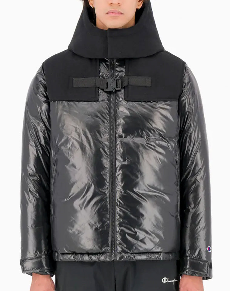 BUCKLE YOKE PANEL ZIP-UP PADDED HOODED JACKET | Champion Europe