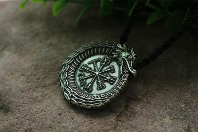 Collar Vikingo <br> Collar Dragon Vegvisir