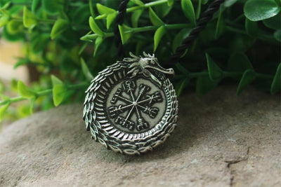 Collar Dragon Vegvisir