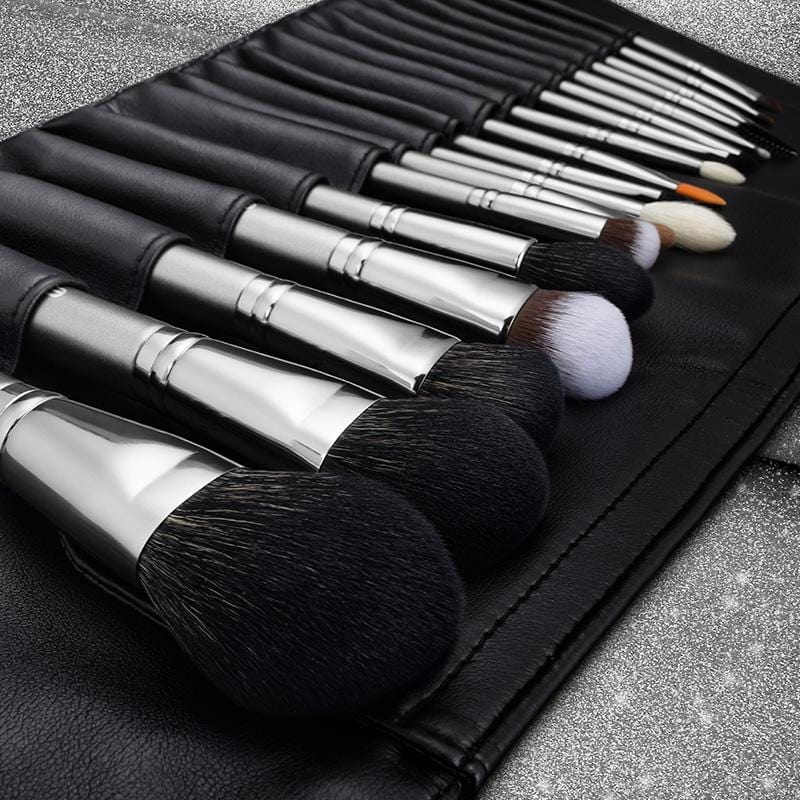 Magician Series- 18 Complete Brush Kit