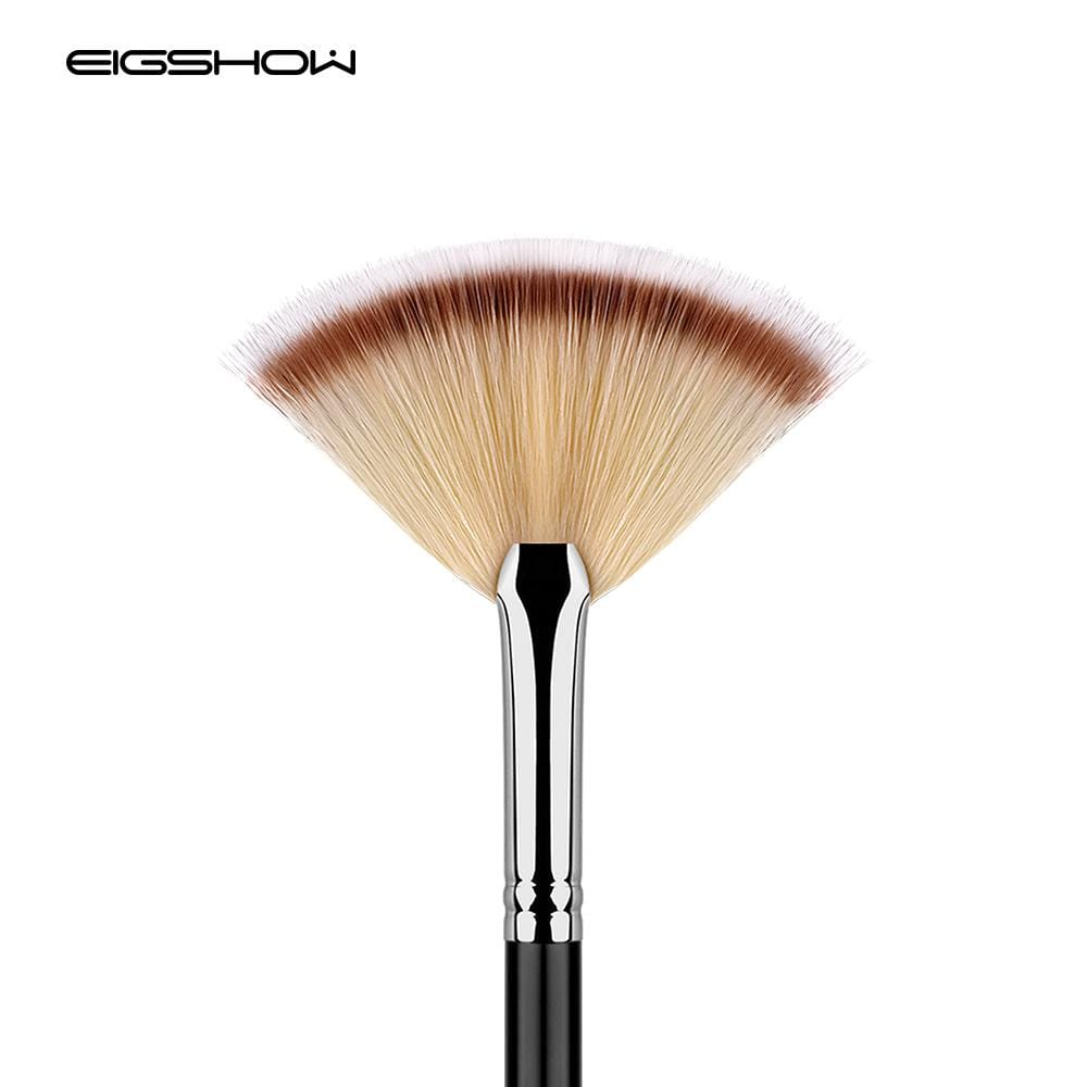 Fan Brush For Highlighter