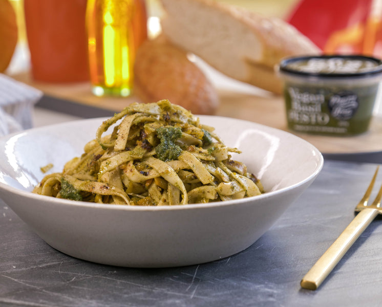 Vegan tagliatelle with pesto, chilli & pumpkin