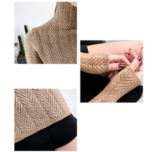 Fine knitted sweater with stand-up collar