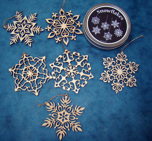 Snowflake Ornaments - Set of 6 with Tin.