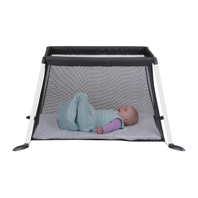 phil&teds traveller v4 portable travel cot avec baby sleep_black