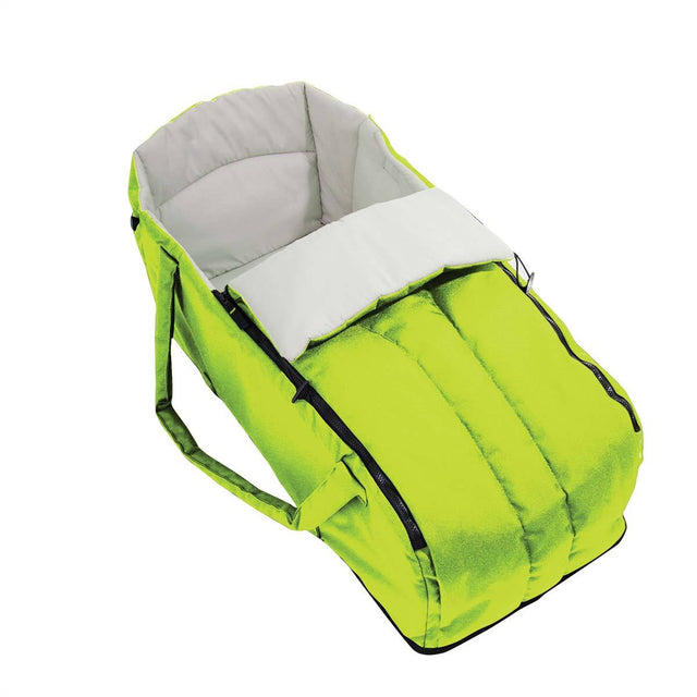 phil&teds cocoon carrycot in apple 3/4 view_apple