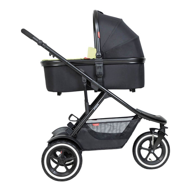 phil&teds snug carrycot on sport inline buggy frame side view