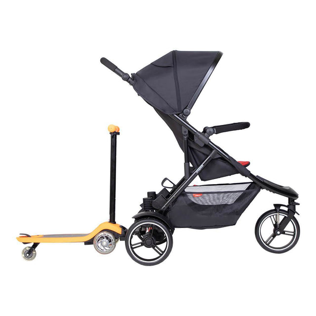 phil7teds dot inline buggy with freerider stroller board in front side view
