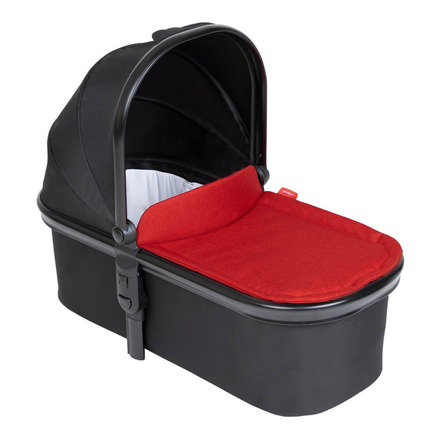 phil&teds snug carrycot with chilli lid 3/4 view_chilli