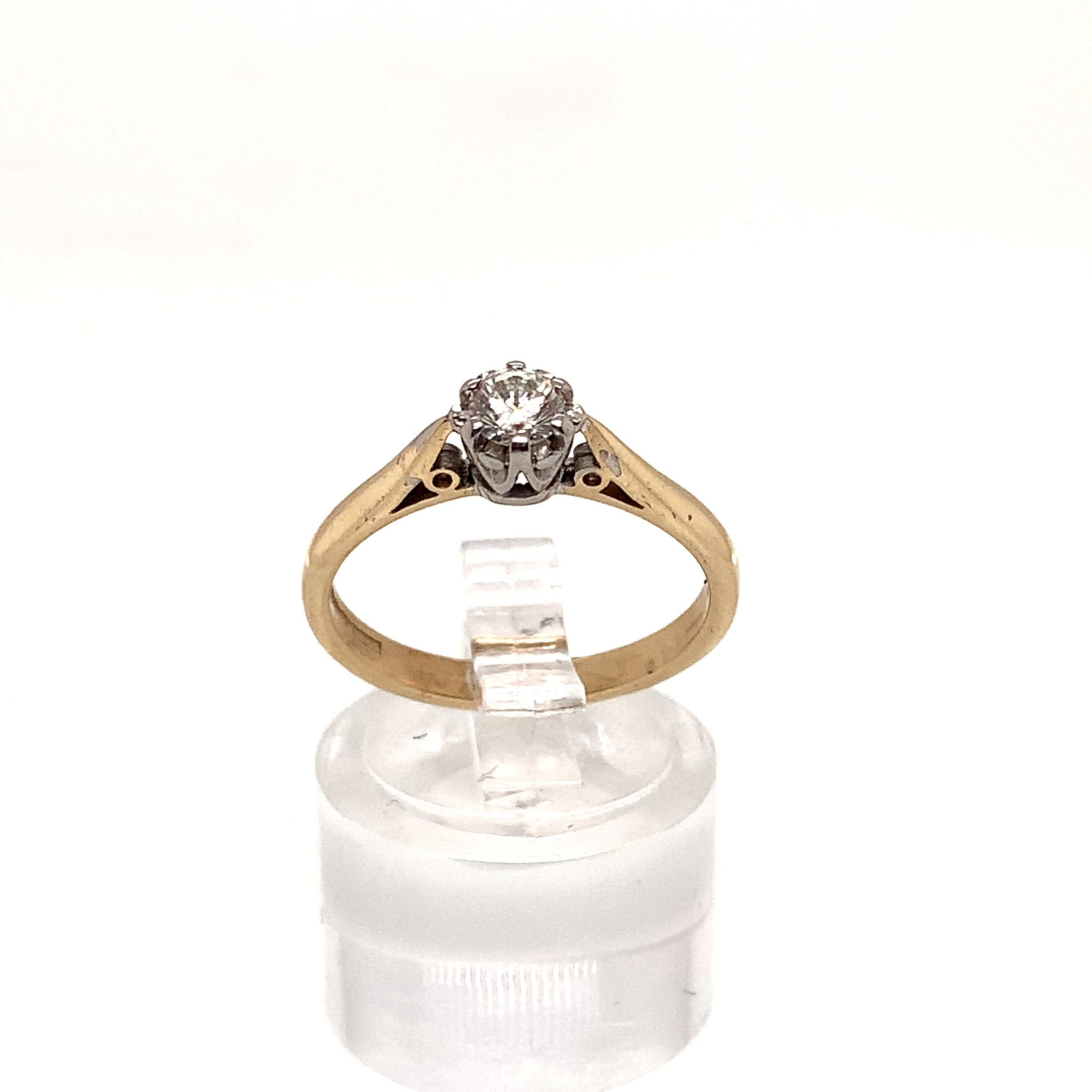 9ct Yellow Gold Claw Diamond Solitaire