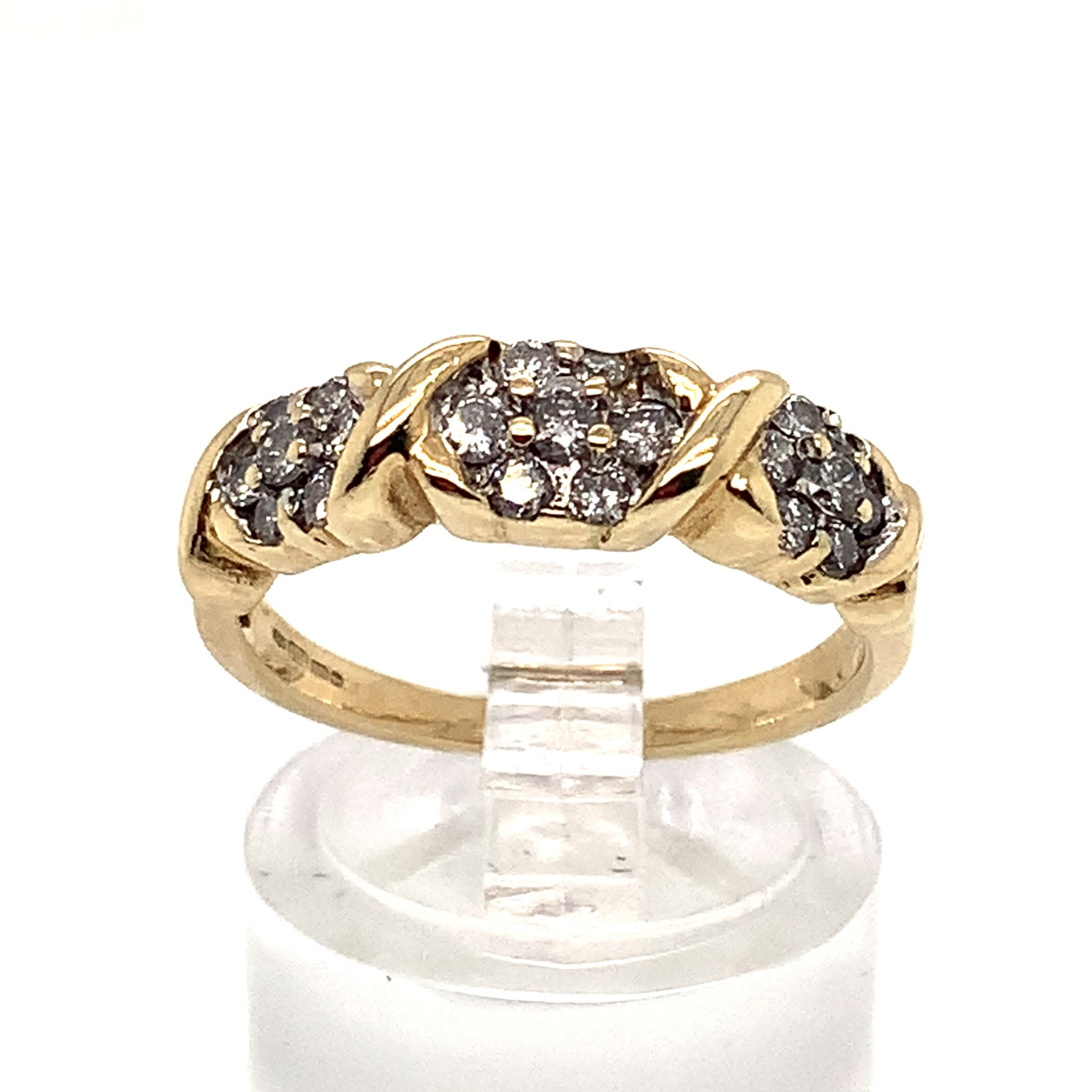 9ct Floral Cluster Diamond Ring