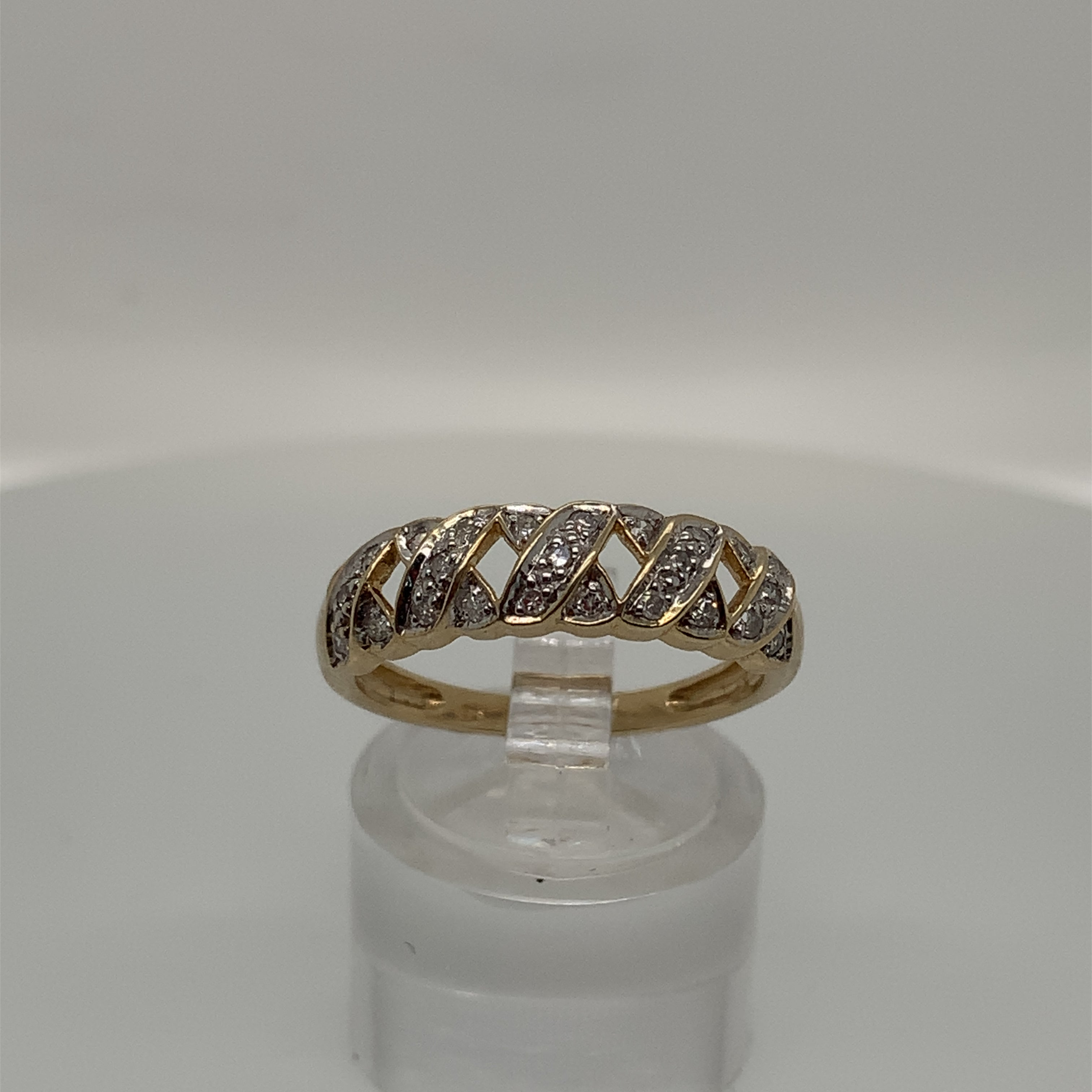 "9ct Yellow Gold ""Kisses"" Ring"