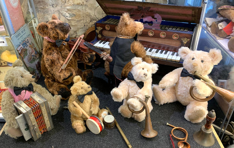uBear Artists and Manufactured Bears