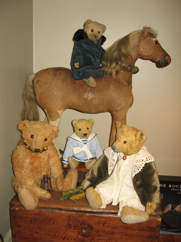22V A group of German bears with friends. Sue Howard
