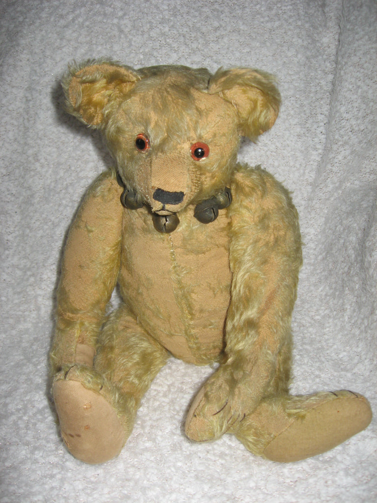 z(1912). Mystery bear. Showcased by Susan Howard