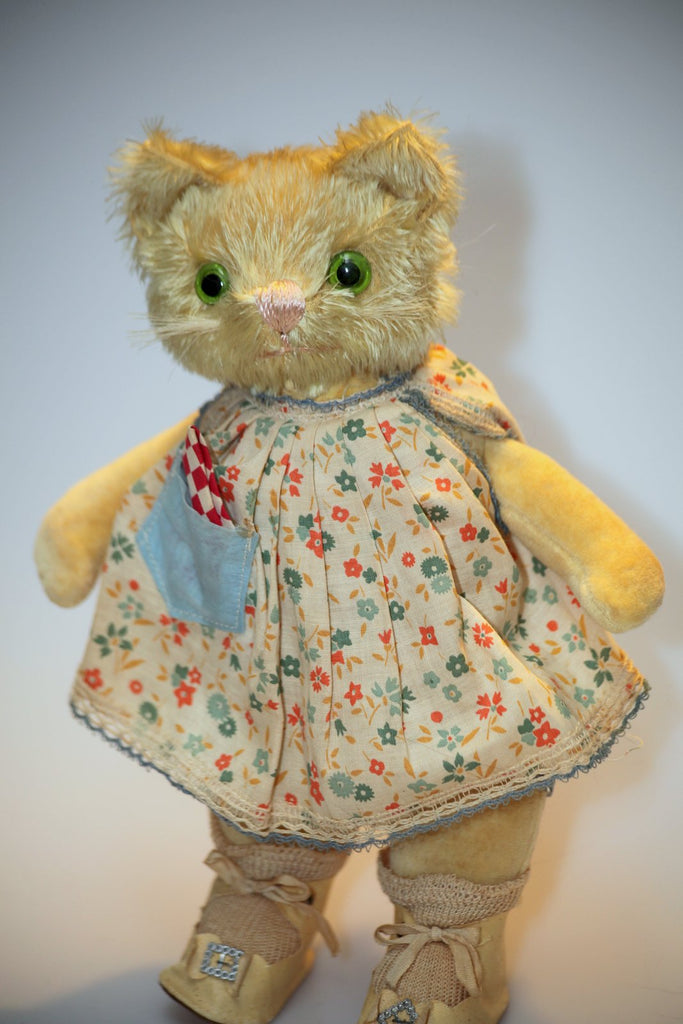 z(1930) Knickerbocker cat, Showcased by Angela