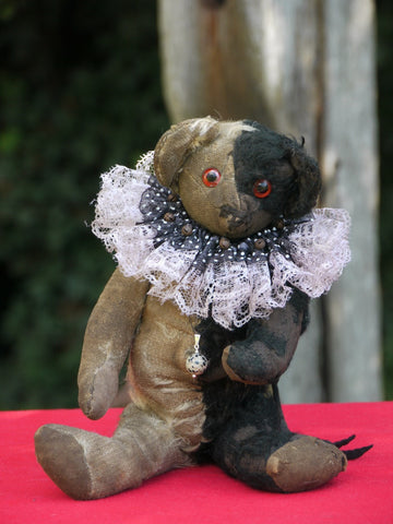 z(1910). Jasper. Harlequin bear. Showcased by Josie Rockett