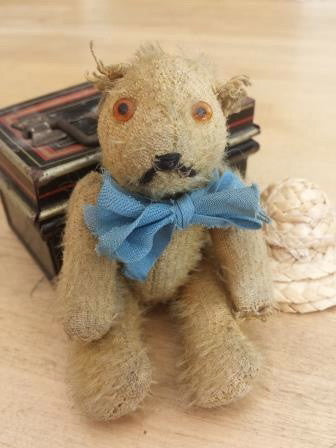 Sold (1910) Tiny. Alice's Bear Shop £180