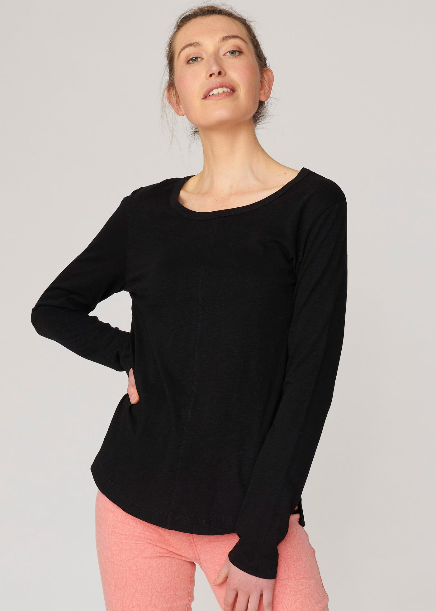Lulu New York Long Sleeve Tee </p>(2 colours)