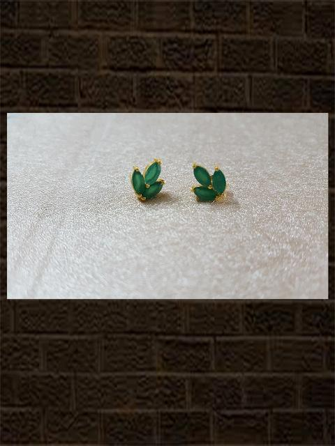 Green three leaf stud